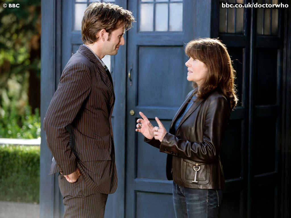 The Doctor (David Tennant) and Sarah Jane Smith (Elisabeth Sladen) - Doctor Who - School Reunion (c) BBC