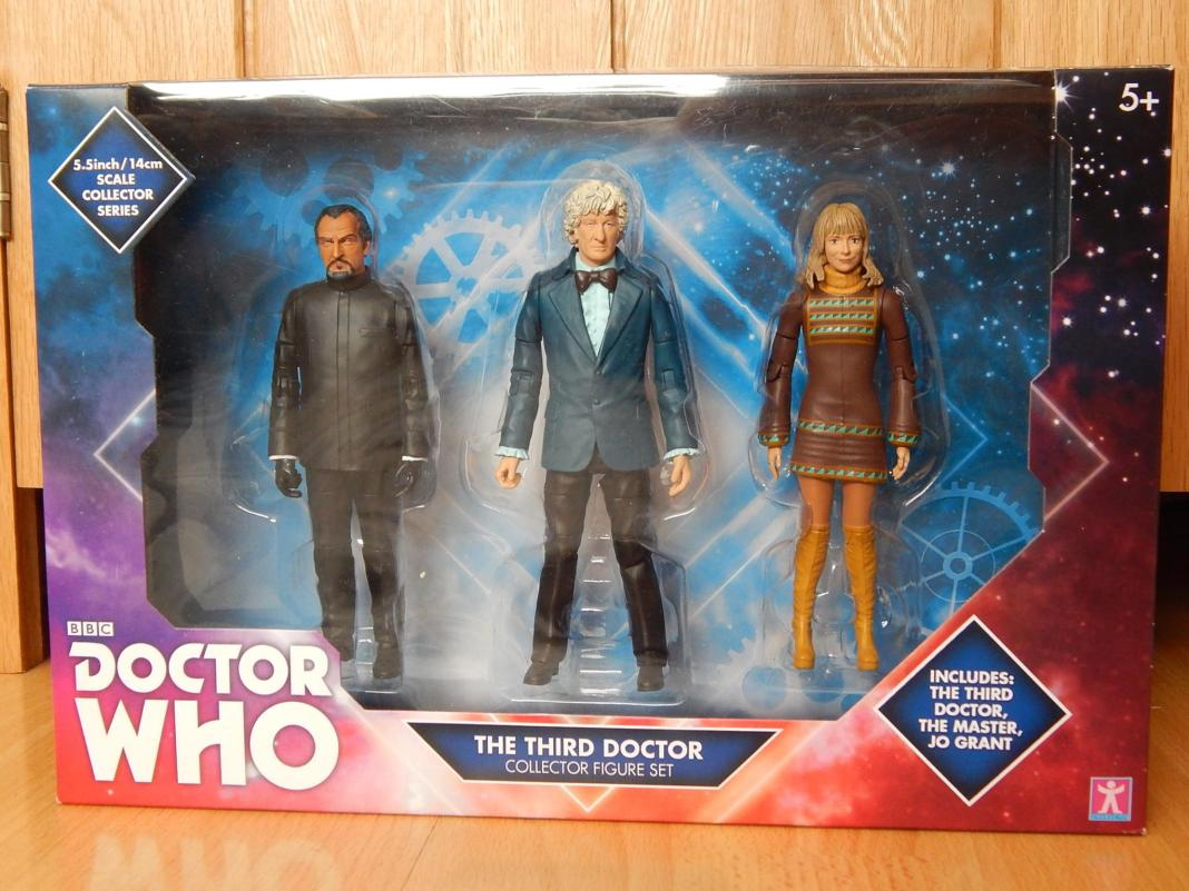 The Third Doctor Exclusive B & M Set