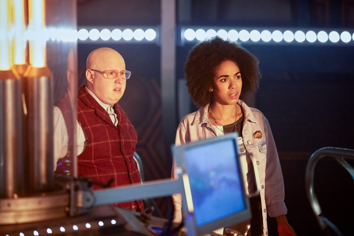Doctor Who S10 - TX: 15/04/2017 - Episode: n/a (No. 1) - Picture Shows: Nardole (MATT LUCAS), Bill (PEARL MACKIE) - (C) BBC - Photographer: Simon Ridgway