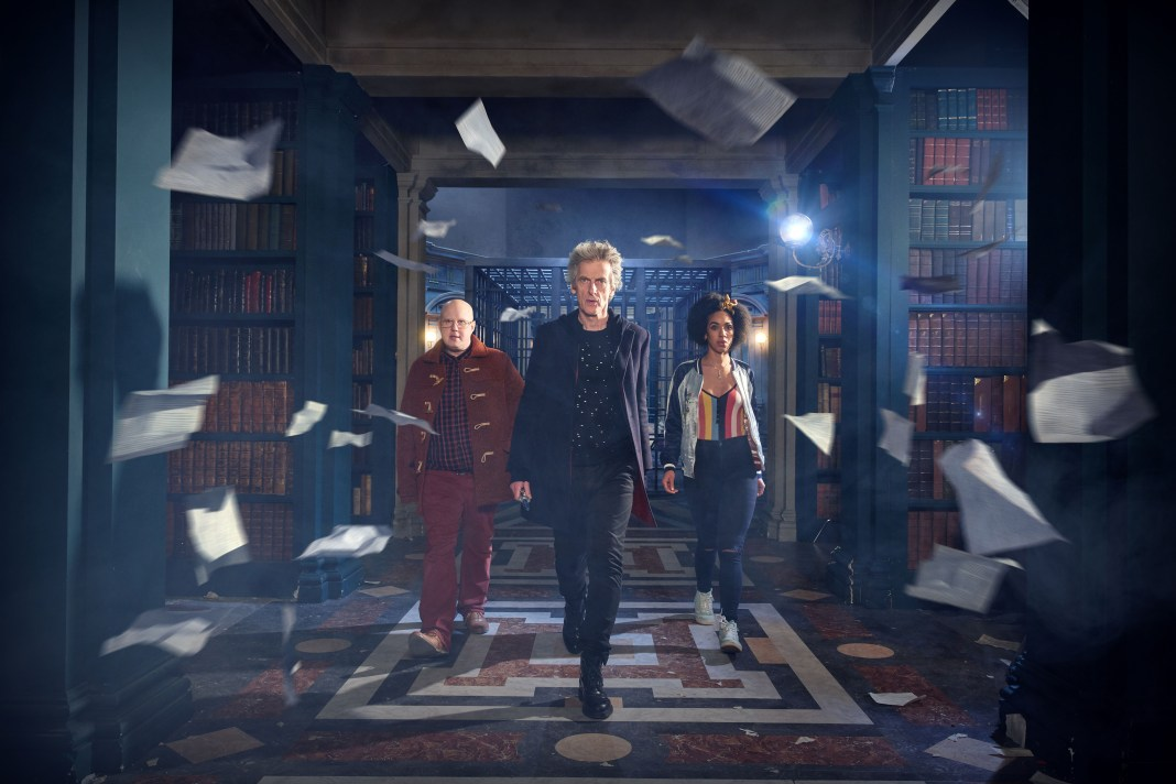 Doctor Who S10 - Nardole (MATT LUCAS), The Doctor (PETER CAPALDI), Bill (PEARL MACKIE) - (C) BBC/BBC Worldwide - Photographer: Simon Ridgway