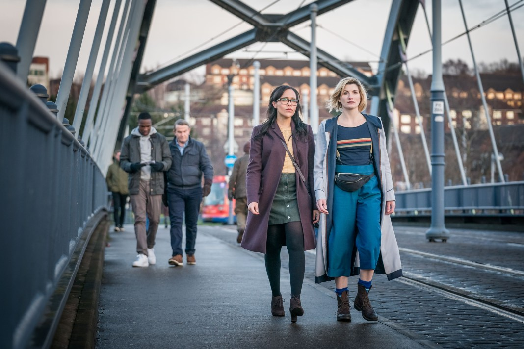 Doctor Who - Series 11 - Ep 4- Arachnids in the UK - Ryan (TOSIN COLE), Graham (BRADLEY WALSH), Jade (TANYA FEAR), The Doctor (JODIE WHITTAKER) - (c) BBC Studios