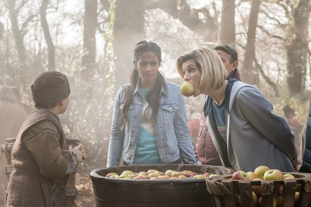 Doctor Who Series 11 - Episode 8 - The Witchfioders - Yaz (MANDIP GILL), Graham (BRADLEY WALSH), The Doctor (JODIE WHITTAKER)