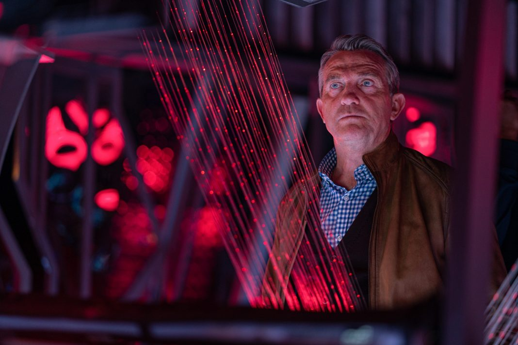 Doctor Who - Can you hear me? S12E07: Graham (BRADLEY WALSH)