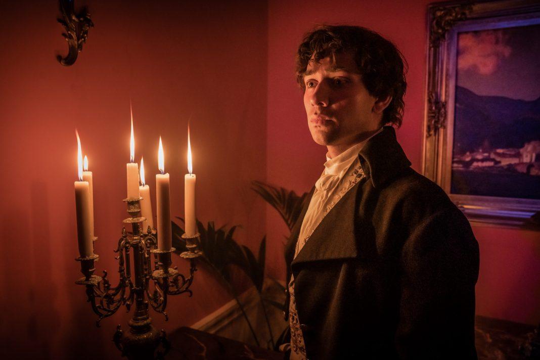 Doctor Who - S12E08- The Haunting of Villa Diodati - Picture Shows: Dr John Polidori (MAXIM BALDRY)