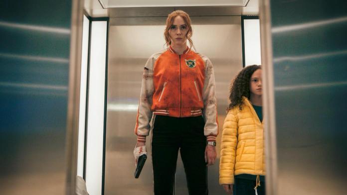 Karen Gillan (Sam) and Chloe Coleman (Emily) in Gunpowder Milkshake (c) StudioCanal Doctor Who Amy Pond