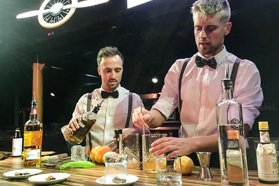 Cocktailworkshop in FLIGHT90 met Shaken&Stirred!