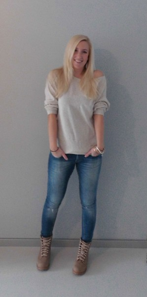 OOTD-Offshoulder-sweater-en-boots-timberlands-4