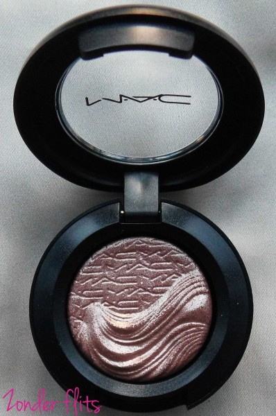 MAC-Limited-Edition-Extra-dimension-eye-shadow-sweat-heat-4