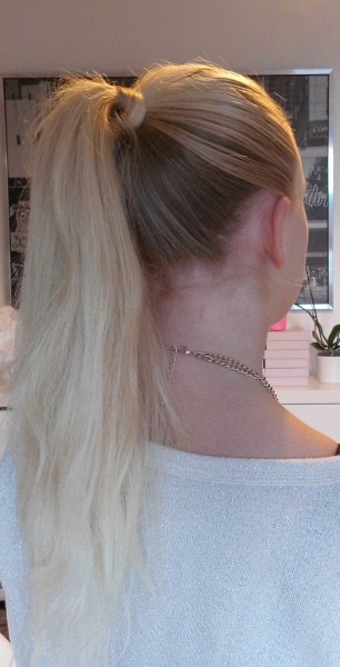 simpele-snelle-haarstijl-hoge-paardenstaart-high-ponytail