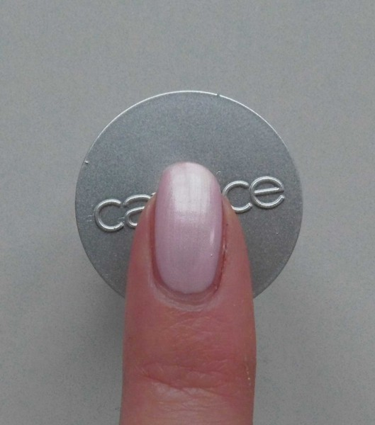Catrice-Limited-Edition-Creme-fresh--nail-lacquer-another-pink-panther