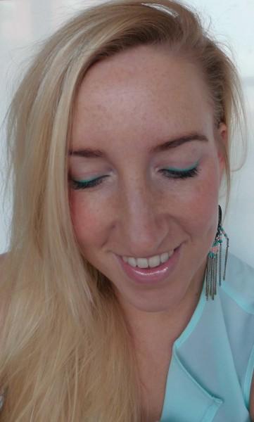 Hema-chalky-eyeshader-color-eyeliner-1