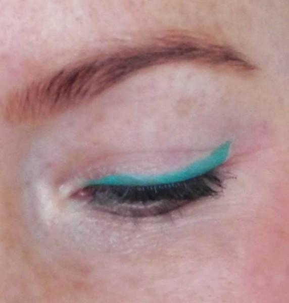 Hema-chalky-eyeshader-color-eyeliner-2