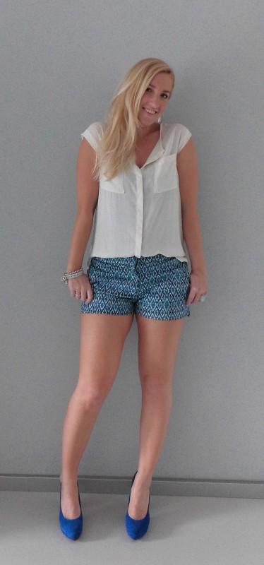 OOTD-outfit-colorfull-short-H&M-blue-aqua-work-netjes-werk-broekje-blauw-blouse-1