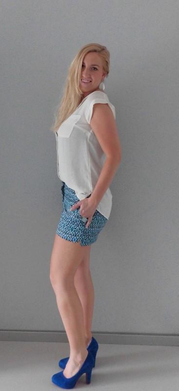 OOTD-outfit-colorfull-short-H&M-blue-aqua-work-netjes-werk-broekje-blauw-blouse-2