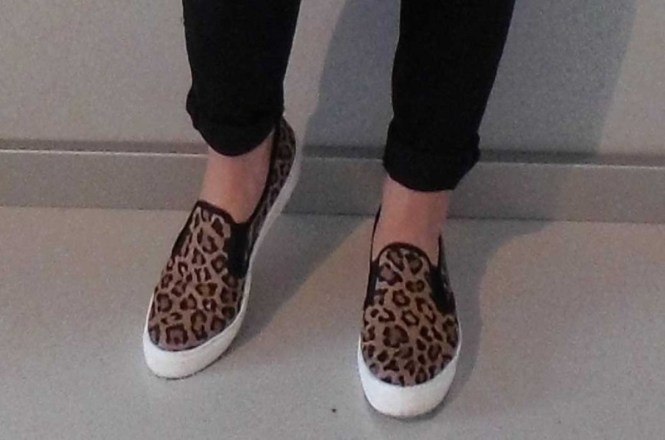 OOTD-outfit-of-the-day-jeans-knee-cut-black-forever-21-leopard-slip-ons-sasha-shirt-sting-black-leather-jacket-zara-zwart-leren-jasje-stoer-casual-ripped-jeans-4