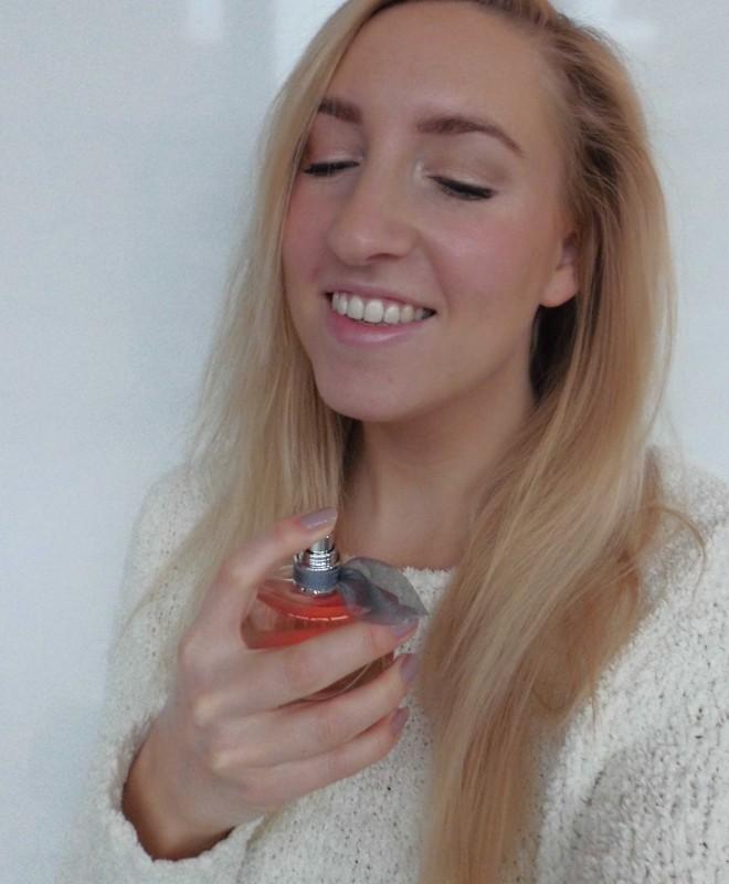 Lancome-La-Vie-est-Belle-review-blondiebeautyfashion-parfum-6