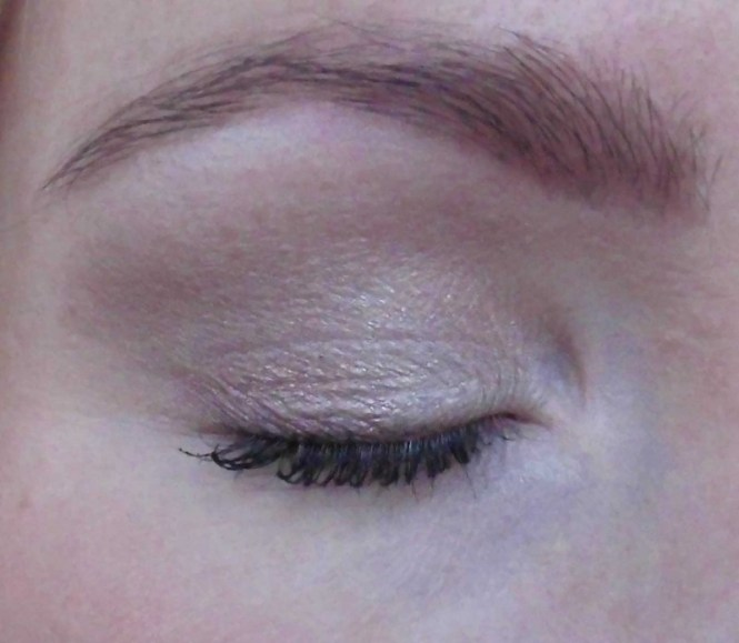 Review-makeup-revolution-london-flawless-ultra-eyeshadow-32-palette-blondiebeautyfashion-look-10
