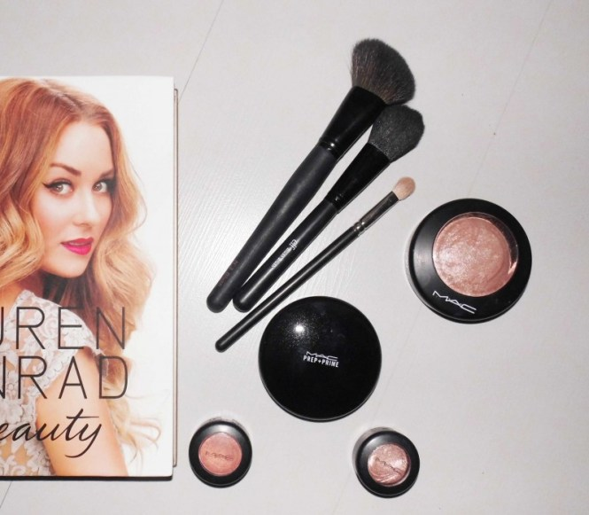 MAC-Prep-Prime-Transparent-finishing-powder-pressed-review-2