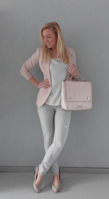 OOTD-outfit-one-bag-two-styles-expresso-tas-bikkel-colbert-werk-hm-van-haren-en-bershka-budget-business-chic-WE-blondiebeautyfashion-3