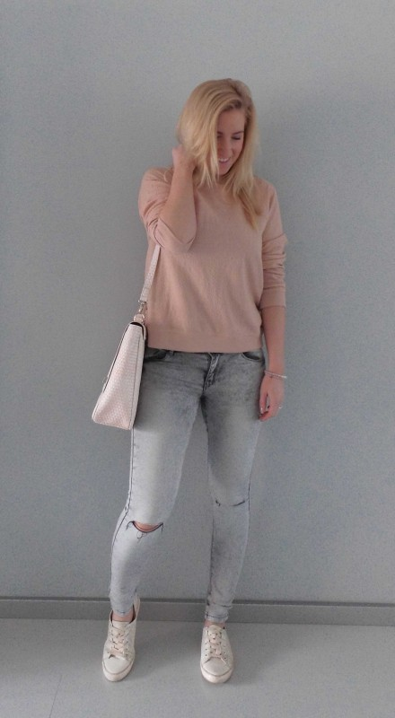 OOTD-outfit-one-bag-two-styles-expresso-tas-bikkel-trui-sweater-jeans-bershka-casual-gympen-1