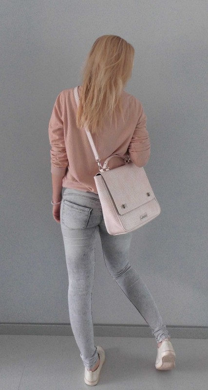 OOTD-outfit-one-bag-two-styles-expresso-tas-bikkel-trui-sweater-jeans-bershka-casual-gympen-6