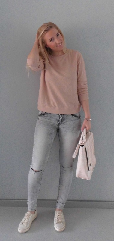 OOTD-outfit-one-bag-two-styles-expresso-tas-bikkel-trui-sweater-jeans-bershka-casual-gympen-7