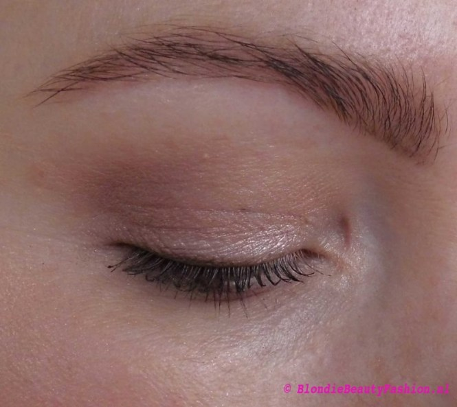 Review-Tanya-Burr-oogschaduw-enchanted-dream-birthday-suit-new-chapter-19