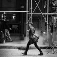 7-newyork-rue-passant-fumee-julien-tardent-300x300