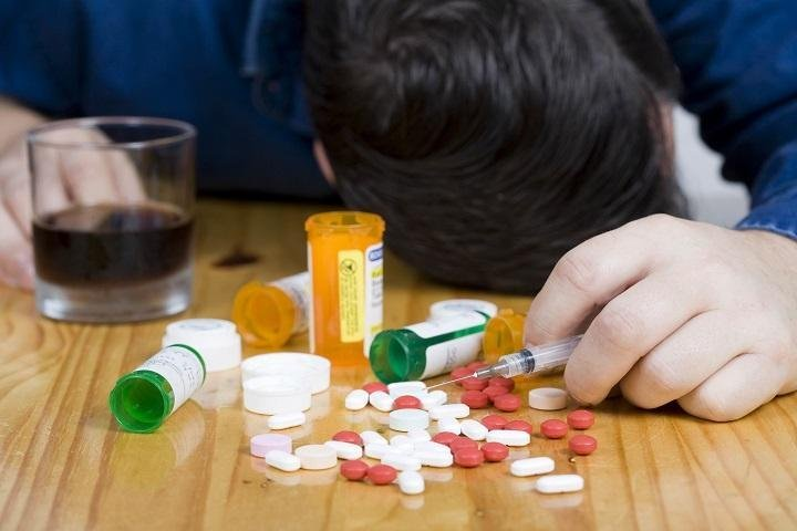How to Keep Away Yourself from Drug Addiction