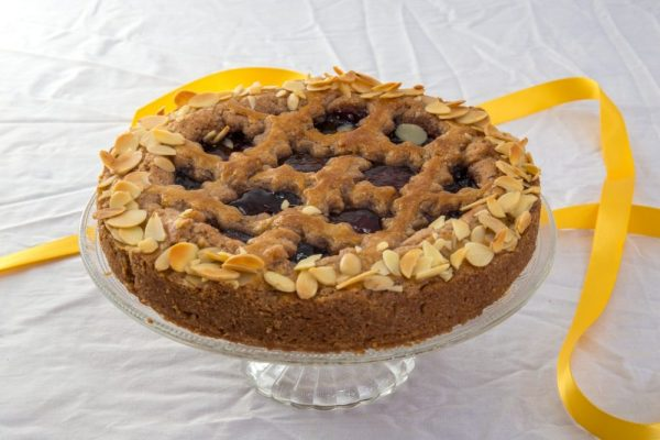 Whole linzer torte by Bloom Bakers