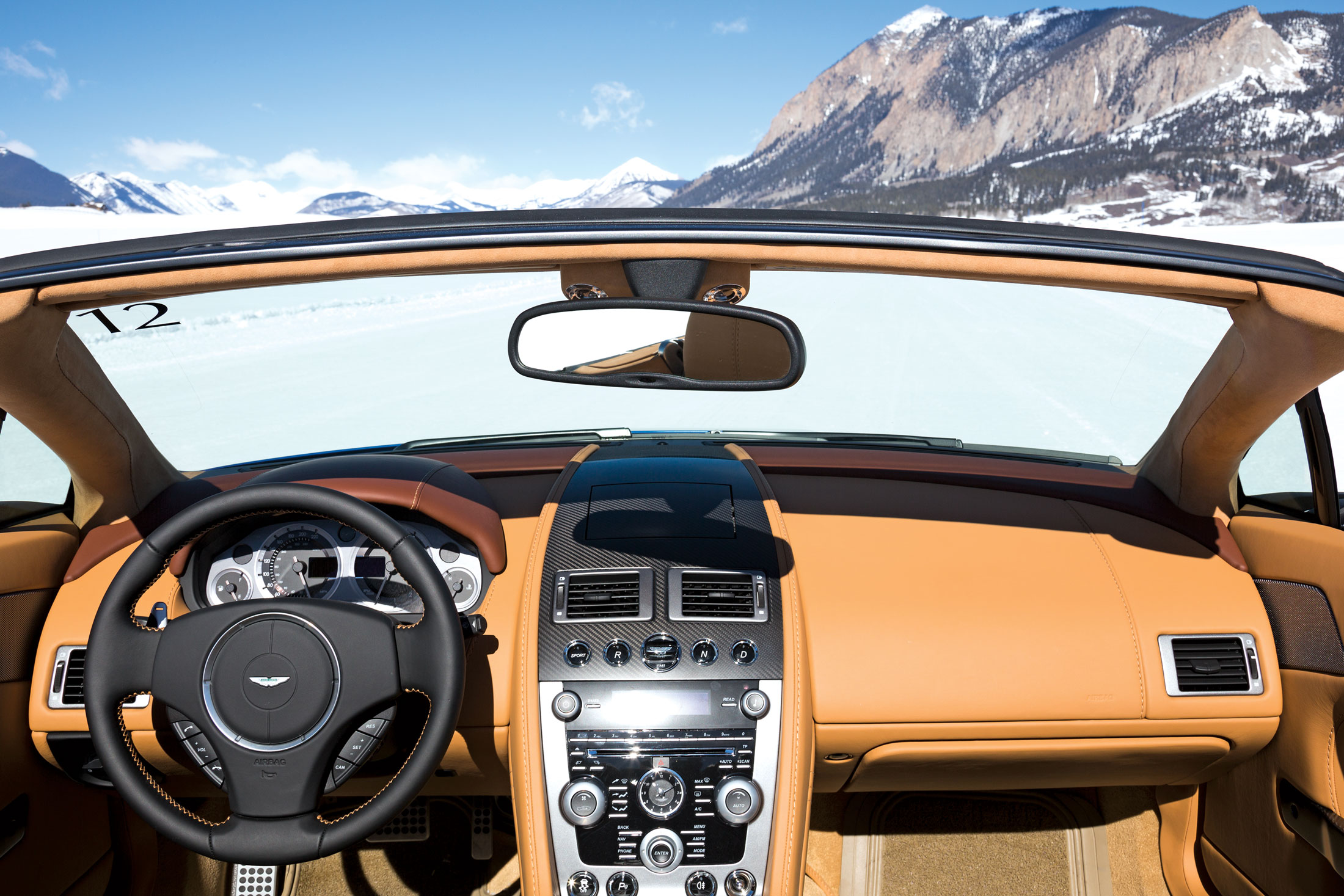 DB9 Volante Carbon convertible