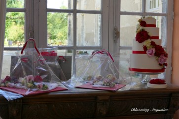 Urne Wedding Cake , création originale de Blooming Augustine