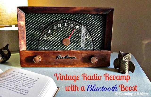Vintage Radio with Bluetooth speakers
