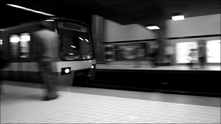 The Metro arrives. Peel station.