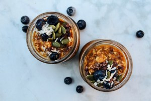 Pumpkin Spice Overnight Oats || Simple + Healthy On-the-go Breakfast