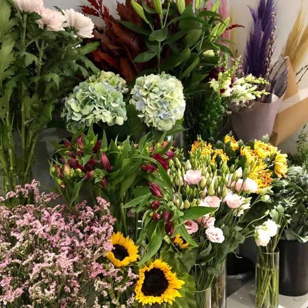 florists choice fresh flower bouquet 4