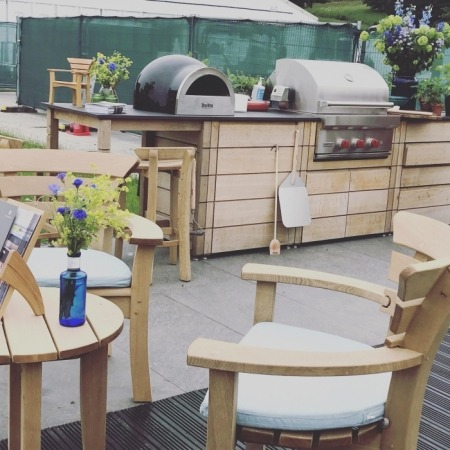 Gaze Burvill Outdoor Kitchen with Delivita wood fired oven