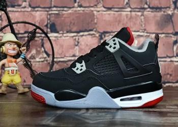 """Air Jordan 4 """"Bred"""" pourrait se dévoiler ce week-end."""