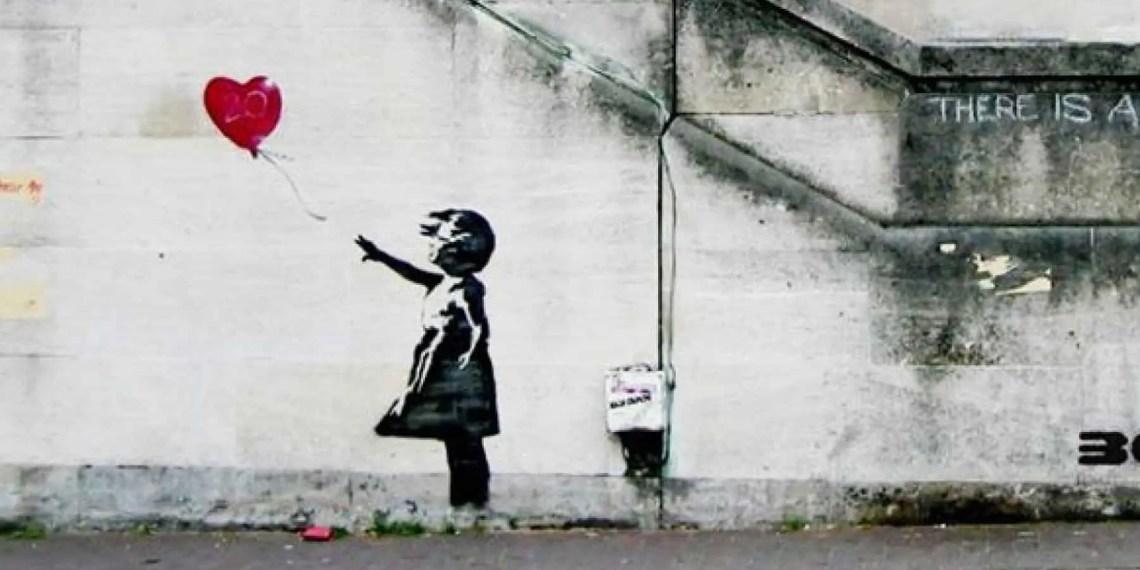 """Un ex-agent de Banksy publie des photos inédites de l'artiste """"In Action""""."""