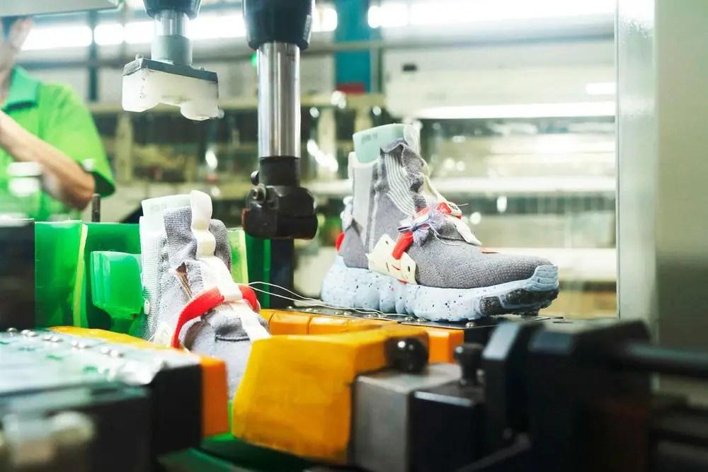 """chacune d'entre elles étant construite presque entièrement en matériaux durables, et qui sont toutes un facteur déterminant dans l'initiative """"Move to Zero"""" de Nike."""