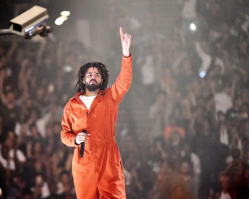 """L'album de J Cole """" arrive bientôt """" après un retard dû au coronavirus"""