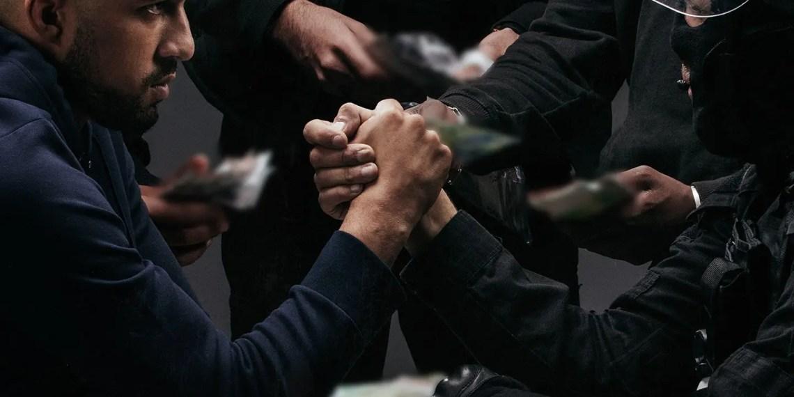 Analyse de l'album de ZKR intitulé « Dans les mains »