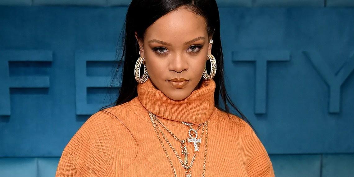 """Rihanna participe à la marche """" Stop Asian Hate """" à New York."""