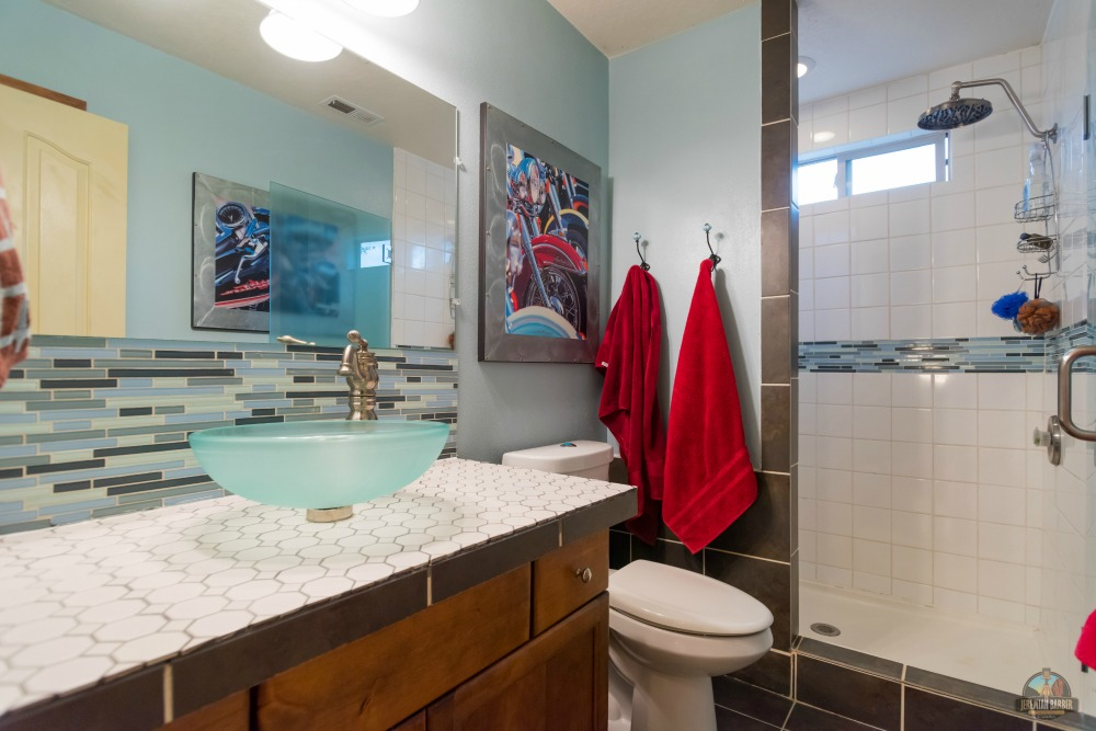 Tub to Walk-in Shower Conversion : Bathroom Makeover