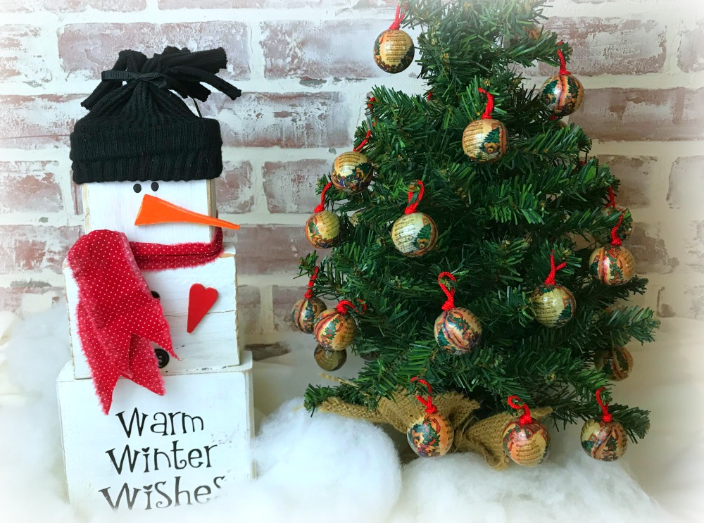 Wood Block Snowman Brings Warm Winter Wishes