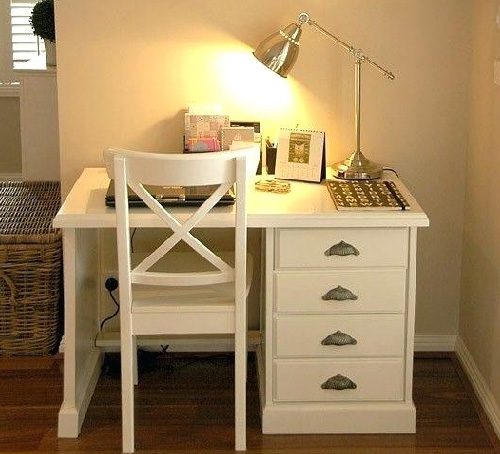 Simple Study Table Design
