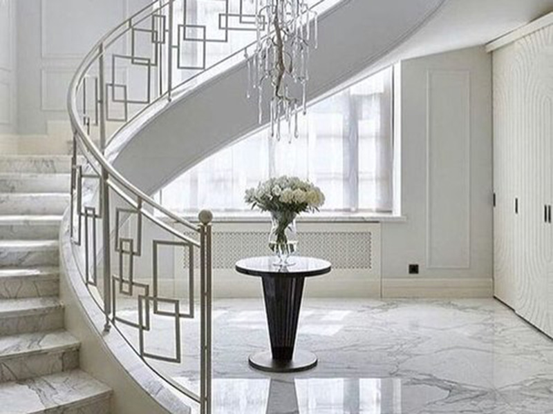 Simpale Beautiful Stair Railing
