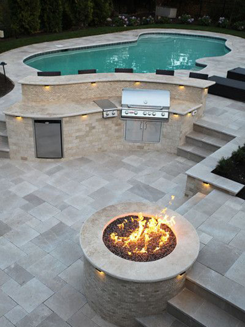 Amazing Pool Side Luxurious Fire Pit