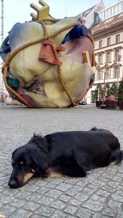 Skulptur an der Französischen Straße