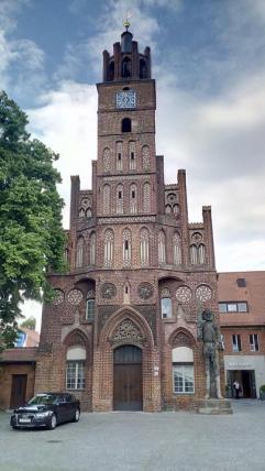 Der Roland vor dem alten Rathaus